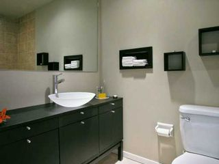 "Photo 5: 112 610 3RD AV in New Westminster: Uptown NW Condo for sale in ""Jae Mar Court"" : MLS®# V591900"