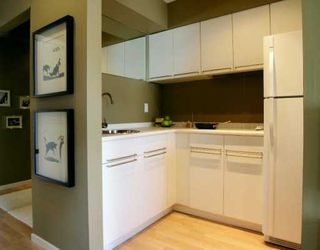 "Photo 2: 112 610 3RD AV in New Westminster: Uptown NW Condo for sale in ""Jae Mar Court"" : MLS®# V591900"