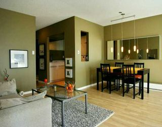 "Photo 1: 112 610 3RD AV in New Westminster: Uptown NW Condo for sale in ""Jae Mar Court"" : MLS®# V591900"