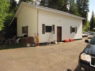 "Photo 8: 6527 HORSE LAKE Road: Horse Lake Manufactured Home for sale in ""HORSE LAKE"" (100 Mile House (Zone 10))  : MLS®# R2415998"