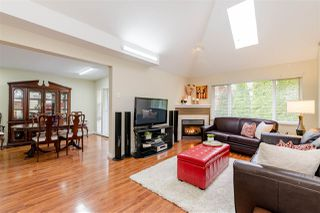 "Photo 3: 35 13918 58 Avenue in Surrey: Panorama Ridge Townhouse for sale in ""Alder Park"" : MLS®# R2419507"