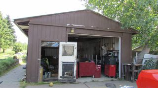 "Photo 2: 8824 PINE Road in Fort St. John: Fort St. John - Rural W 100th House for sale in ""GRANDHAVEN"" (Fort St. John (Zone 60))  : MLS®# R2419873"