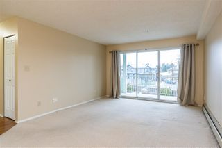 """Photo 4: 205 31850 UNION Avenue in Abbotsford: Abbotsford West Condo for sale in """"Fernwood Manor"""" : MLS®# R2430792"""