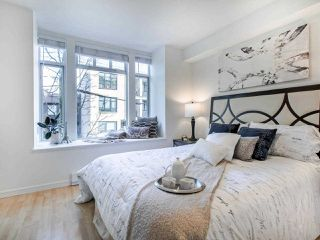 Photo 11: 211 3727 W 10TH Avenue in Vancouver: Point Grey Townhouse for sale (Vancouver West)  : MLS®# R2447866
