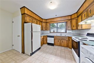 Photo 12: 3203 108 Avenue SW in Calgary: Cedarbrae Detached for sale : MLS®# C4305653