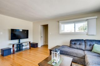 Photo 4: LEMON GROVE House for sale : 3 bedrooms : 7623 Lansing Dr