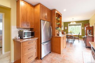 Photo 11: 7954 Lochside Dr in Central Saanich: CS Turgoose Single Family Detached for sale : MLS®# 836425