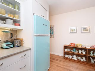 Photo 11: 305 7070 West Saanich Rd in Central Saanich: CS Brentwood Bay Condo for sale : MLS®# 842049
