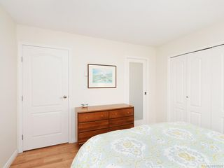 Photo 13: 305 7070 West Saanich Rd in Central Saanich: CS Brentwood Bay Condo for sale : MLS®# 842049