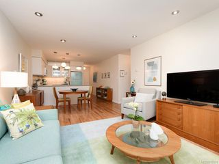 Photo 3: 305 7070 West Saanich Rd in Central Saanich: CS Brentwood Bay Condo for sale : MLS®# 842049