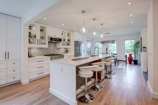 Photo 3: 6012 84 Street NW in Calgary: Silver Springs Detached for sale : MLS®# A1025546