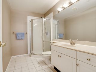 "Photo 2: 102 4745 54A Street in Delta: Delta Manor Condo for sale in ""ADLINGTON COURT"" (Ladner)  : MLS®# R2517301"