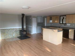 Photo 4: 40 2847 Sooke Lake Road in VICTORIA: La Goldstream Manu Double-Wide for sale (Langford)  : MLS®# 417713
