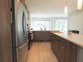 """Photo 5: 9 41488 BRENNAN Road in Squamish: Brackendale House 1/2 Duplex for sale in """"RIVENDALE"""" : MLS®# R2457979"""