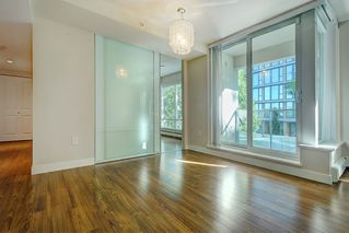 """Photo 2: 205 1833 CROWE Street in Vancouver: False Creek Condo for sale in """"FOUNDARY BUILDING"""" (Vancouver West)  : MLS®# R2460094"""