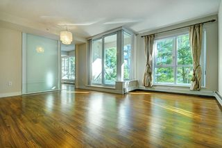 """Photo 1: 205 1833 CROWE Street in Vancouver: False Creek Condo for sale in """"FOUNDARY BUILDING"""" (Vancouver West)  : MLS®# R2460094"""
