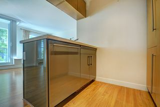 """Photo 8: 205 1833 CROWE Street in Vancouver: False Creek Condo for sale in """"FOUNDARY BUILDING"""" (Vancouver West)  : MLS®# R2460094"""