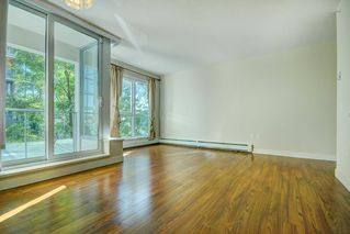 """Photo 3: 205 1833 CROWE Street in Vancouver: False Creek Condo for sale in """"FOUNDARY BUILDING"""" (Vancouver West)  : MLS®# R2460094"""