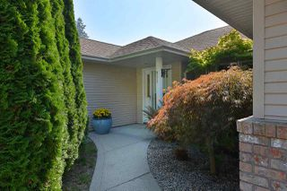 """Photo 2: 811 AURORA Way in Gibsons: Gibsons & Area House for sale in """"Upper Gibsons"""" (Sunshine Coast)  : MLS®# R2497143"""