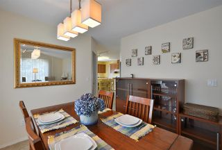 """Photo 8: 811 AURORA Way in Gibsons: Gibsons & Area House for sale in """"Upper Gibsons"""" (Sunshine Coast)  : MLS®# R2497143"""