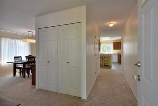 """Photo 4: 811 AURORA Way in Gibsons: Gibsons & Area House for sale in """"Upper Gibsons"""" (Sunshine Coast)  : MLS®# R2497143"""