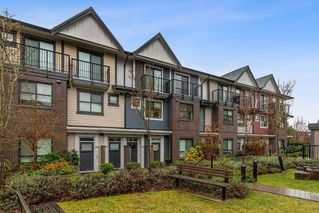 """Photo 1: 40 7039 MACPHERSON Avenue in Burnaby: Metrotown Townhouse for sale in """"VILLO METROTOWN"""" (Burnaby South)  : MLS®# R2522541"""
