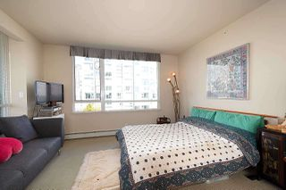 Photo 9: 1007 1288 MARINASIDE CRESCENT in Vancouver: Yaletown Condo for sale (Vancouver West)  : MLS®# R2514095