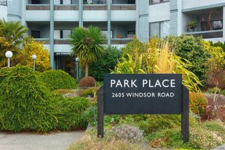 Photo 1: 103 2605 Windsor Road in VICTORIA: OB South Oak Bay Condo Apartment for sale (Oak Bay)  : MLS®# 419302