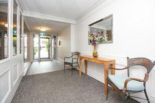 Photo 3: 103 2605 Windsor Road in VICTORIA: OB South Oak Bay Condo Apartment for sale (Oak Bay)  : MLS®# 419302
