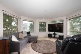Photo 3: 204 20140 56 AVENUE in Langley: Langley City Condo for sale : MLS®# R2413316