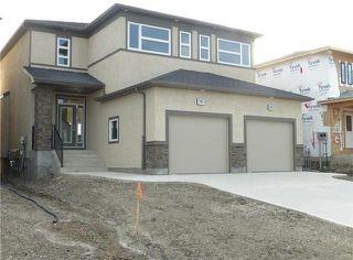 Photo 1: 1 KEN WONG Bay in Winnipeg: Prairie Pointe Residential for sale (1R)  : MLS®# 202012330