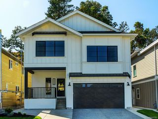Photo 1: 2434 Azurite Cres in Langford: La Bear Mountain House for sale : MLS®# 844280
