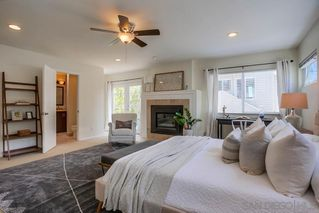 Photo 8: PACIFIC BEACH House for sale : 3 bedrooms : 1649 Chalcedony St in San Diego