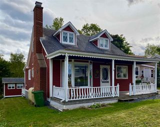 Photo 1: 123 Poplar Street in Pictou: 107-Trenton,Westville,Pictou Residential for sale (Northern Region)  : MLS®# 202019387