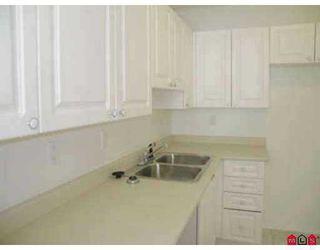 "Photo 4: 112 14399 103RD AV in Surrey: Whalley Condo for sale in ""Claridge Court"" (North Surrey)  : MLS®# F2505209"
