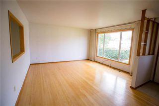Photo 2: 913 Buchanan Boulevard in Winnipeg: Crestview Residential for sale (5H)  : MLS®# 1924082