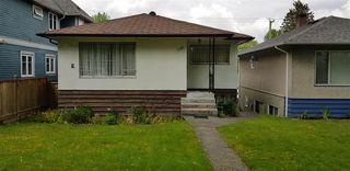 """Photo 1: 1153 E 11TH Avenue in Vancouver: Mount Pleasant VE House for sale in """"MOUNT PLEASANT"""" (Vancouver East)  : MLS®# R2456338"""