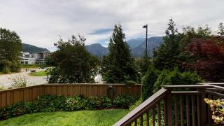 "Photo 10: 1282 STONEMOUNT Place in Squamish: Downtown SQ Townhouse for sale in ""Streams at Eaglewind"" : MLS®# R2481347"