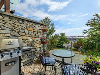 Photo 4: 202 9820 Seaport Pl in : Si Sidney North-East Row/Townhouse for sale (Sidney)  : MLS®# 857213