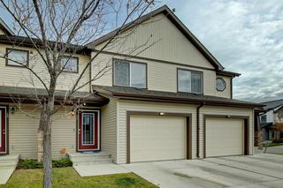 Photo 1: 44 Copperpond Landing SE in Calgary: Copperfield Row/Townhouse for sale : MLS®# A1048100