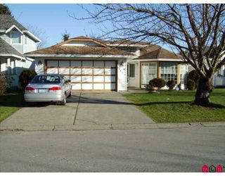Photo 1: 8494 121A Street in Surrey: Queen Mary Park Surrey House for sale : MLS®# F2702190