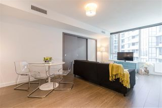 "Photo 4: 829 68 SMITHE Street in Vancouver: Yaletown Condo for sale in ""ONE PACIFIC"" (Vancouver West)  : MLS®# R2428155"
