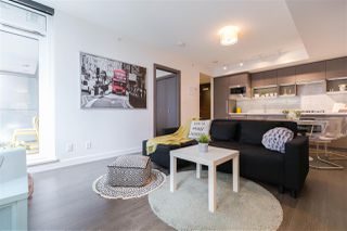 "Photo 9: 829 68 SMITHE Street in Vancouver: Yaletown Condo for sale in ""ONE PACIFIC"" (Vancouver West)  : MLS®# R2428155"