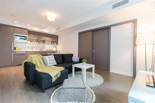 "Photo 10: 829 68 SMITHE Street in Vancouver: Yaletown Condo for sale in ""ONE PACIFIC"" (Vancouver West)  : MLS®# R2428155"