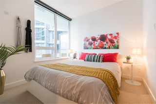 "Photo 6: 829 68 SMITHE Street in Vancouver: Yaletown Condo for sale in ""ONE PACIFIC"" (Vancouver West)  : MLS®# R2428155"