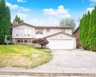 Photo 1: 3235 COMOX Court in Abbotsford: Central Abbotsford House for sale : MLS®# R2498924