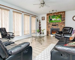 Photo 3: 3235 COMOX Court in Abbotsford: Central Abbotsford House for sale : MLS®# R2498924