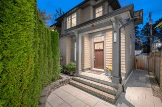 "Main Photo: 336 W 14TH Avenue in Vancouver: Mount Pleasant VW Townhouse for sale in ""THE LAWRENCE HOUSE"" (Vancouver West)  : MLS®# R2502687"