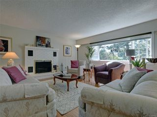 Photo 3: 3240 Cora Hill Pl in : Co Wishart South House for sale (Colwood)  : MLS®# 857079