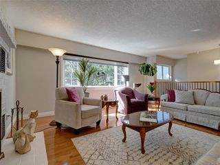 Photo 5: 3240 Cora Hill Pl in : Co Wishart South House for sale (Colwood)  : MLS®# 857079